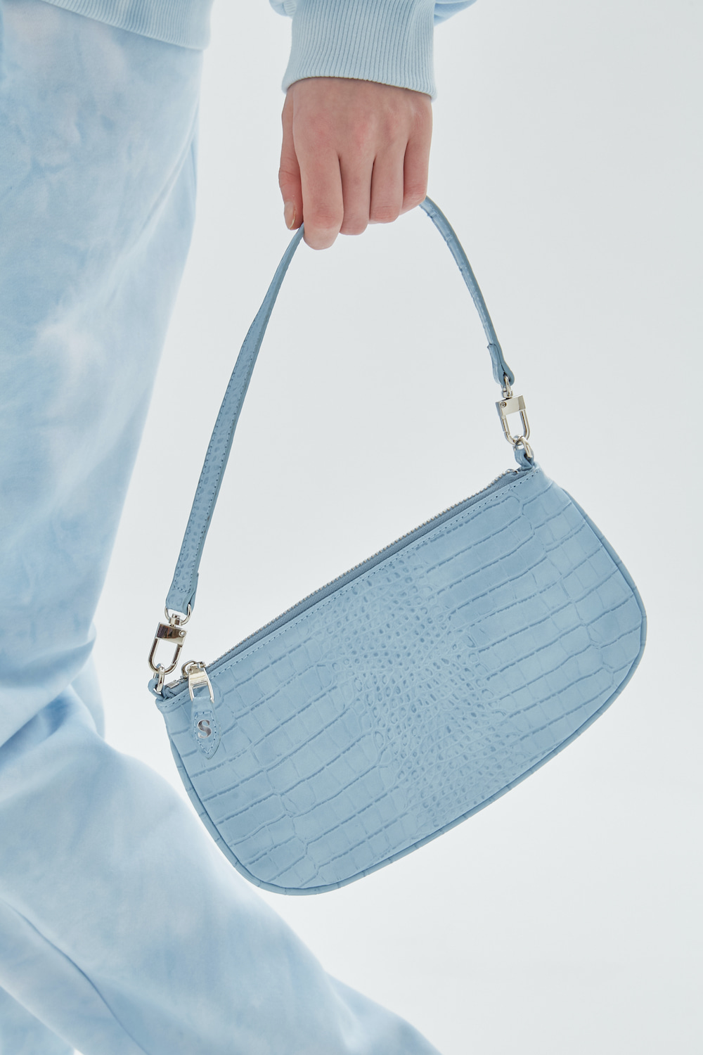 FLAT CROCODILE BAG
